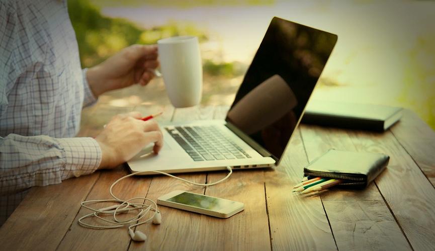 Télétravail et coworking : à l'ère du bureau libre et mobile