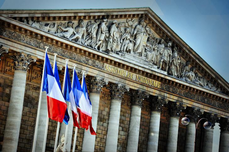 Bientôt une Charte du Numérique dans la Constitution française ?