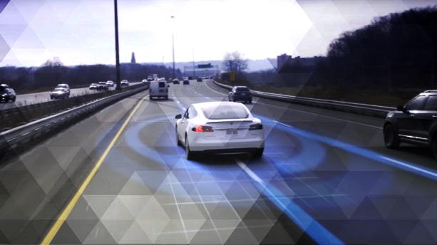 De la voiture connectée à la voiture autonome